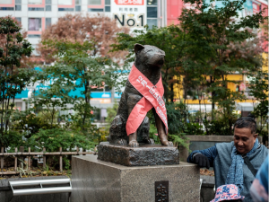 A photo of the Hachiko memorial statue in front of the Shibuya Station