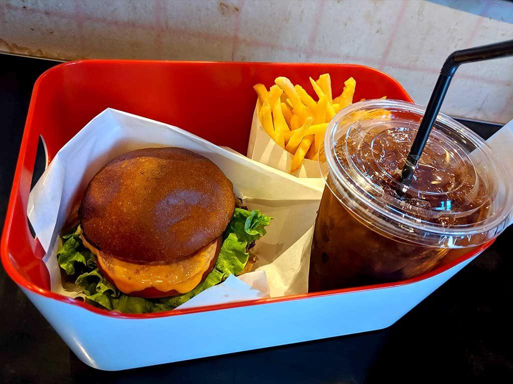 Henry's Burger Daikanyama