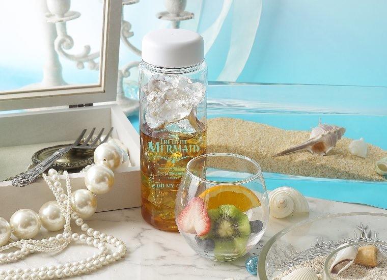 Fruity Tea Under the Sea 1,090 yen (w/o tax) - with Bottle 2,190 (w/o tax)