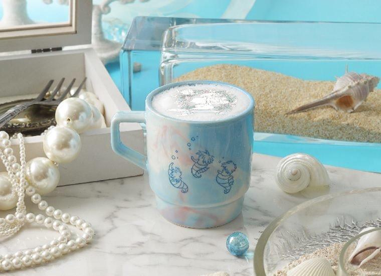 Little Mermaid's Cafe Latte 790 yen (w/o tax) - with Mug 2,390 yen (w/o tax)
