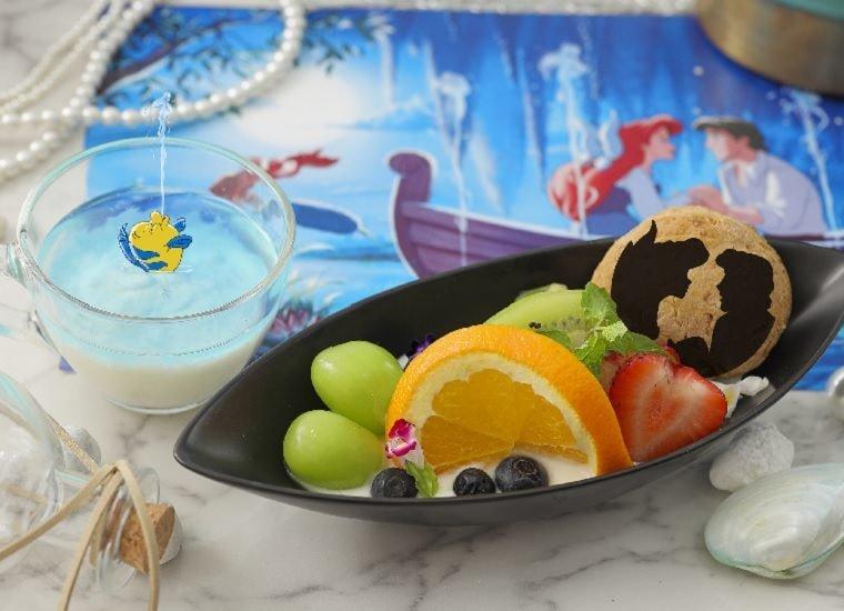 Kiss the girl! Romantic Fruit Bowl 2,190 yen (w/o tax)