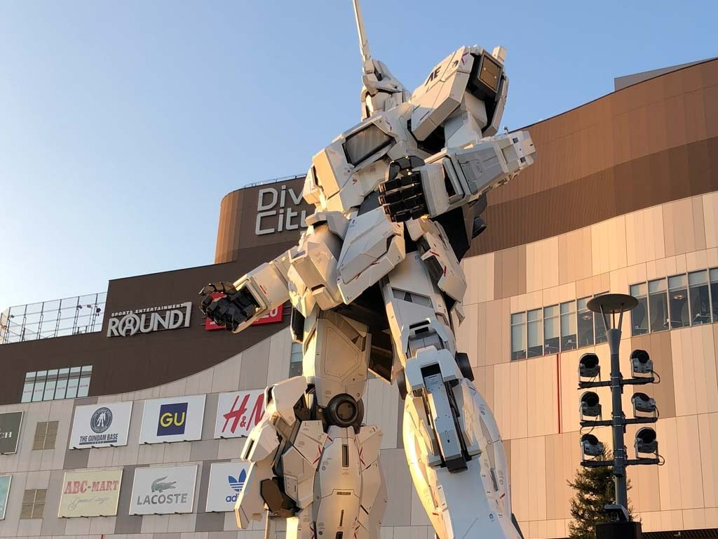 Unicorn Gundam Statue Odaiba