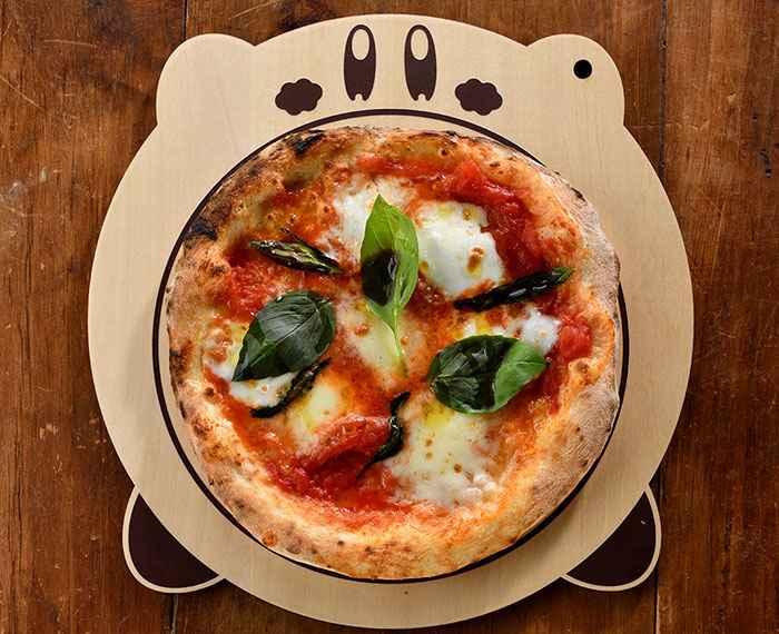 Kirby Cafe's Stone-Oven Pizza ~Maxim Tomato Margherita~ (1,380 yen)