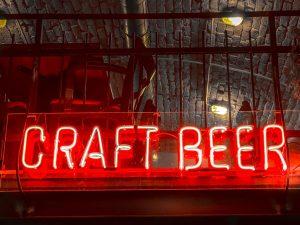 Craft beer neon sign.