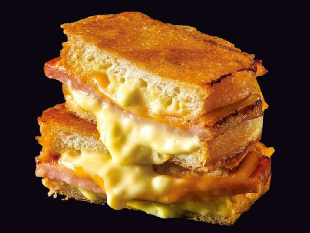 Dinema Grichee: mouthwatering crunchy-on-the-outside grilled cheese